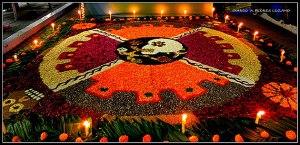 fotos-semana-calaveras-mexico-tapete-flores-craneo
